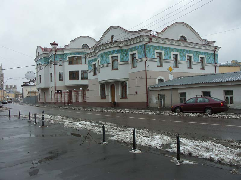 Административное здание на ул. Гончарная