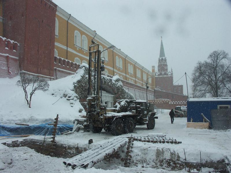 Реконструкция мемориала Вечного огня в Александровском саду